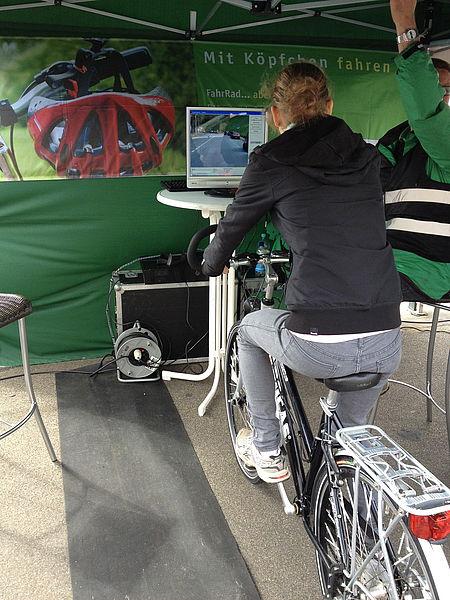 verkehrswacht-duesseldorf-fahrradsimulator